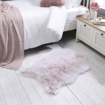 Flair Rugs Anja Faux Fur Helsinki Rugs Pink